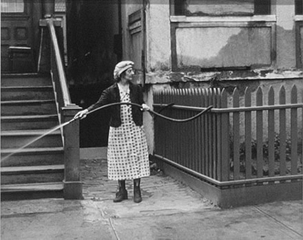 Helen Levitt - Woman and Hose