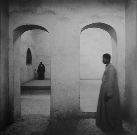 Richard Barnes - Man with Cane, Tomb, City of the Dead, Egypt